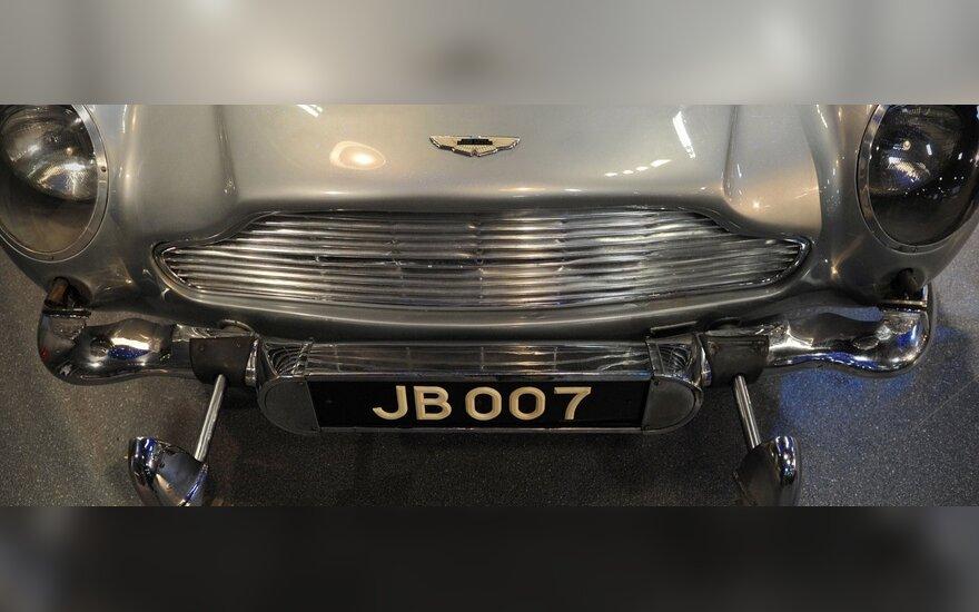 Dž.Bondo transporto priemonės - specialioje parodoje