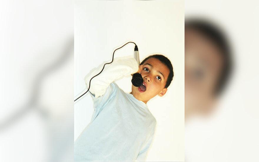 muzika, dainuoti, mikrofonas, vaikas
