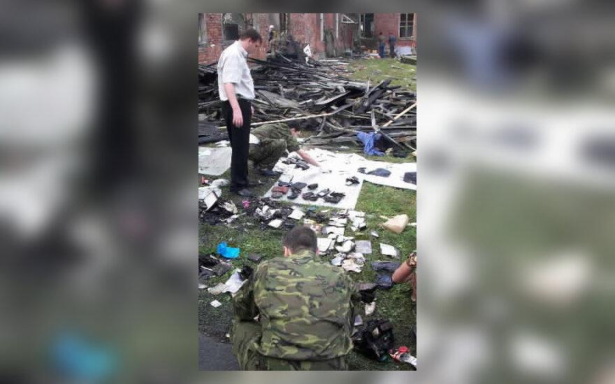 Beslano mokykloje, Osetijoje, renkami daiktai, priklausę įkaitams