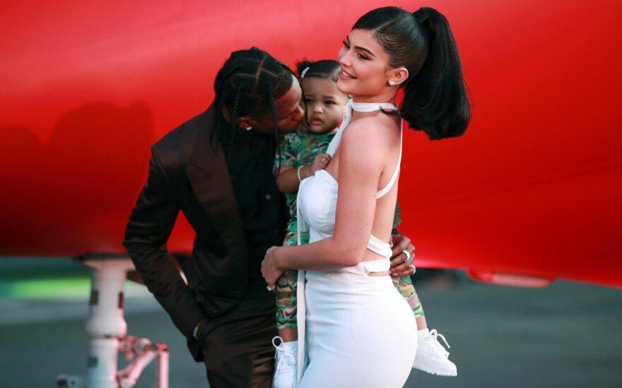 Kylie Jenner su šeima