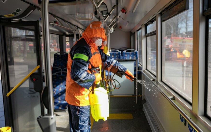 NVSC: įmonės kviečiamos skubos tvarka autorizuoti paviršių dezinfekantus