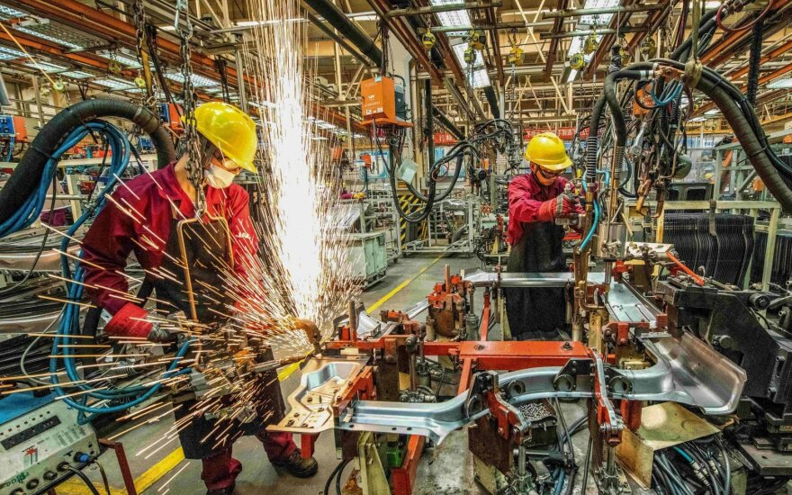 Darbuotojai Kinijos fabrike