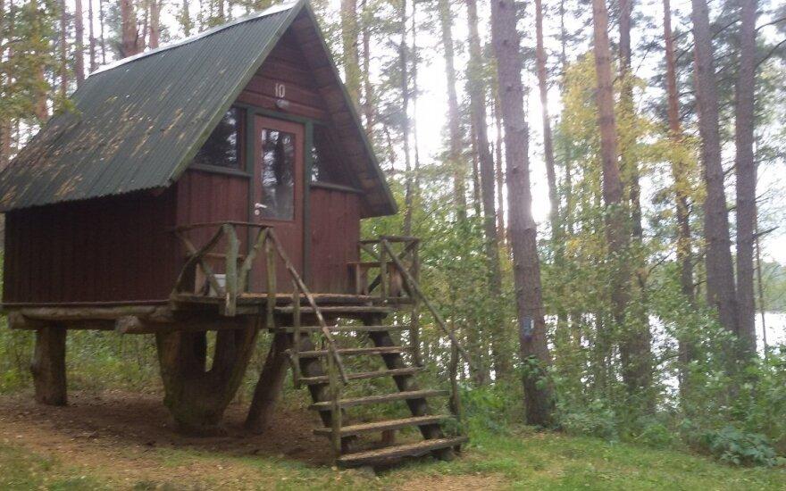 Vaizdingų vietovių miško valdose Molėtuose – neteisėtos tvoros ir statybos