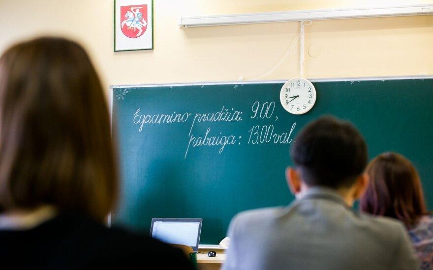 Dvyliktoką lietuvių kalbos egzaminas pribloškė: tikiuosi tokia sistema keisis