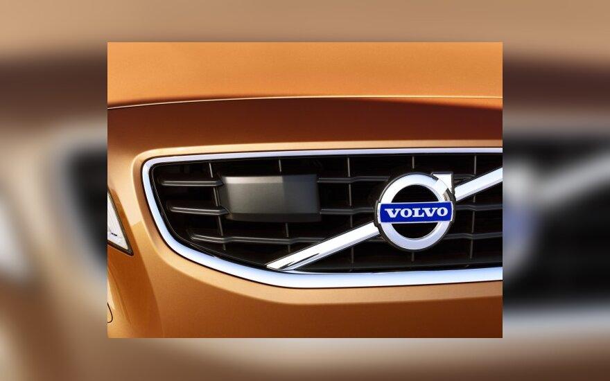 "Kinai prarijo ""Volvo"""