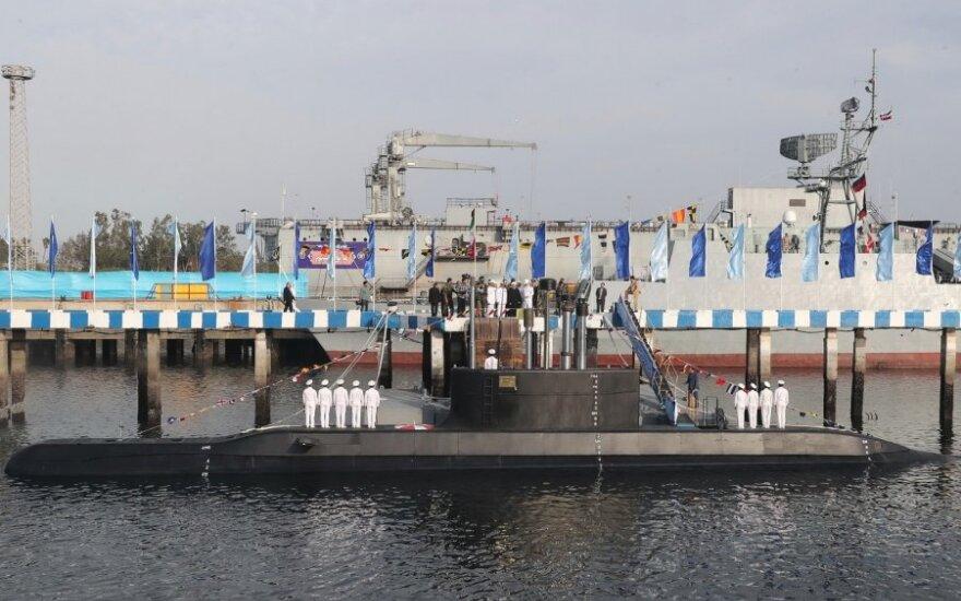 Iranas pristatė naują povandeninį laivą
