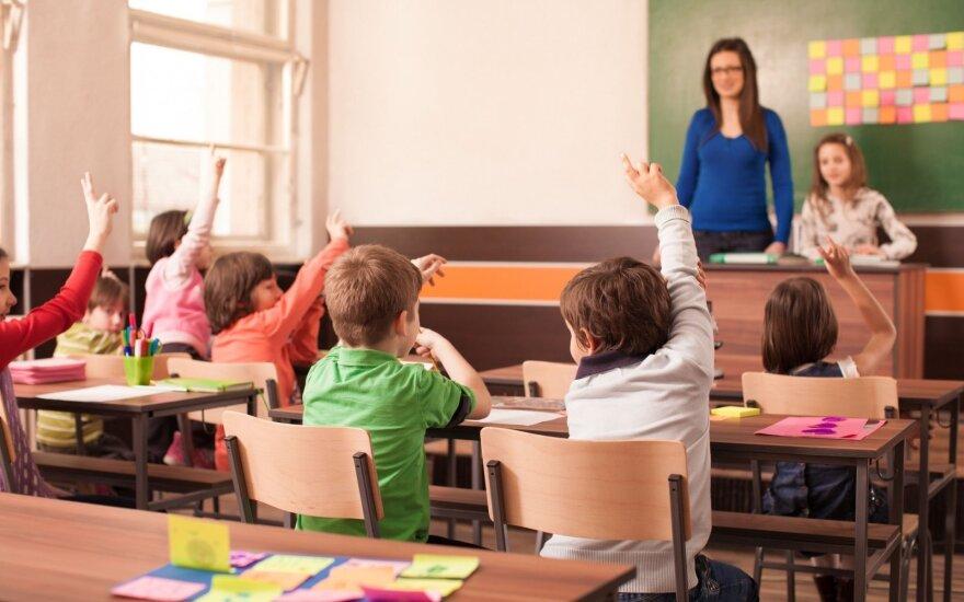 Tauragės savivaldybė pradinukams dovanos būtiniausius mokyklinius reikmenis