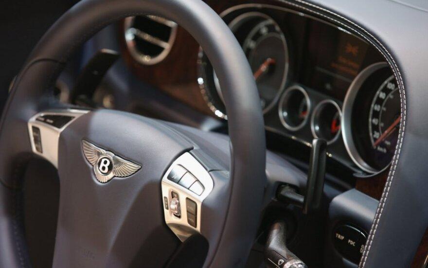 """""""Bentley"""" kurs keturdurį kupė"""