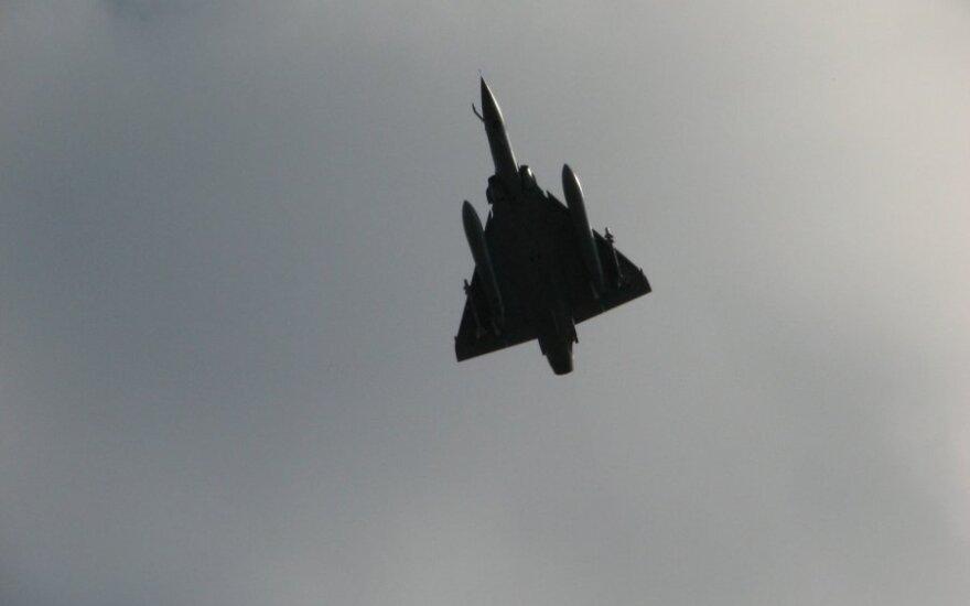 Oro policijos naikintuvai lydėjo keturis rusų karinius orlaivius