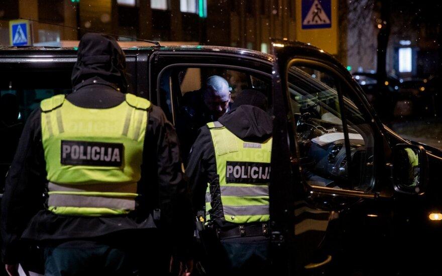 Sostinėje susidūrė 4 automobiliai, sužaloti du žmonės