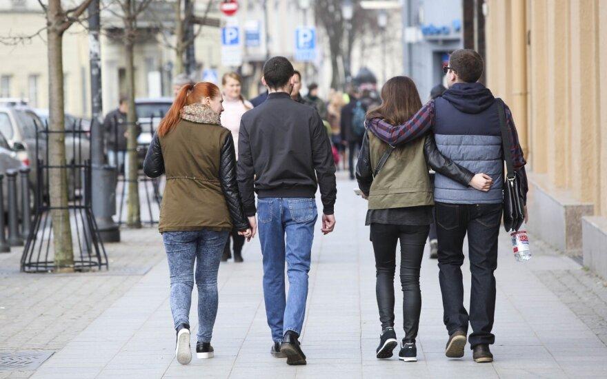 Apklausa: optimistų skaičius Lietuvoje auga