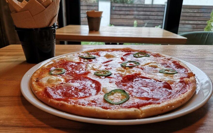 """""""Charlie pizza"""" ir """"La Crepe"""" klaidino vartotojus: skirtos baudos"""