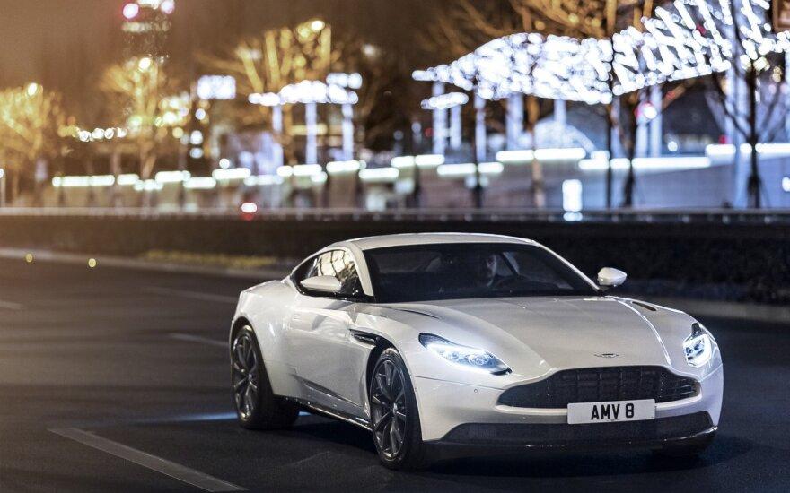 """""""Aston Martin DB11 V8"""": pranašesnis už savo pirmtaką"""