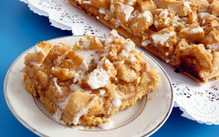 Tobulai skanus obuolių pyragas