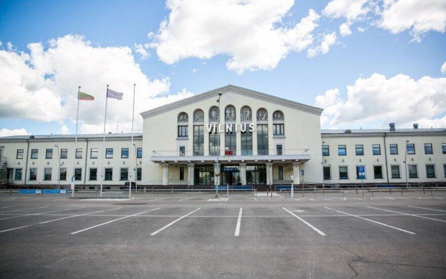 Užstrigo Vilniaus oro uosto stovėjimo aikštelėje: kodėl dėl sistemos klaidų turėjome šalti lauke?