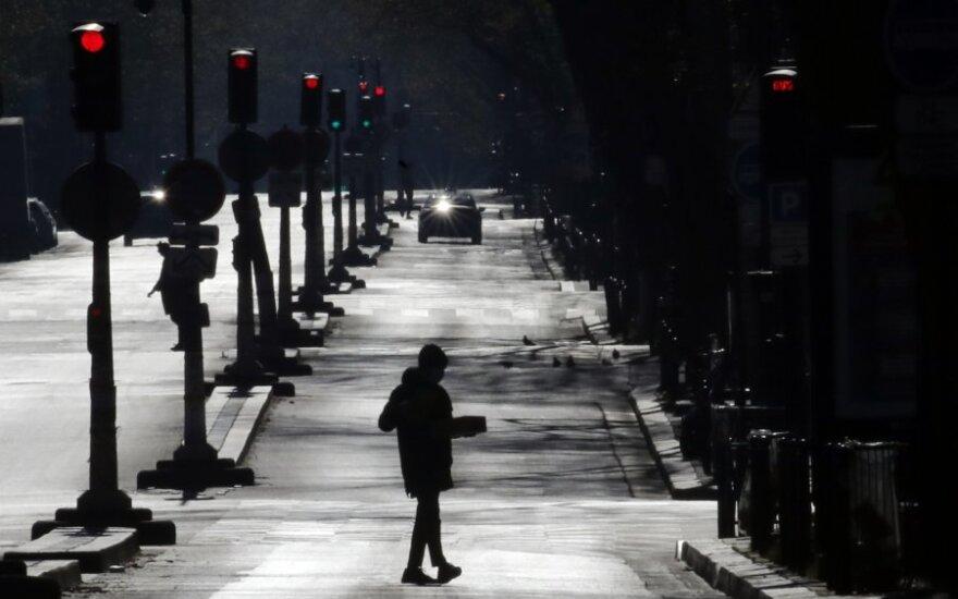 Iš Prancūzijos į JK atvykstantiems keliautojams nebus taikomas karantinas