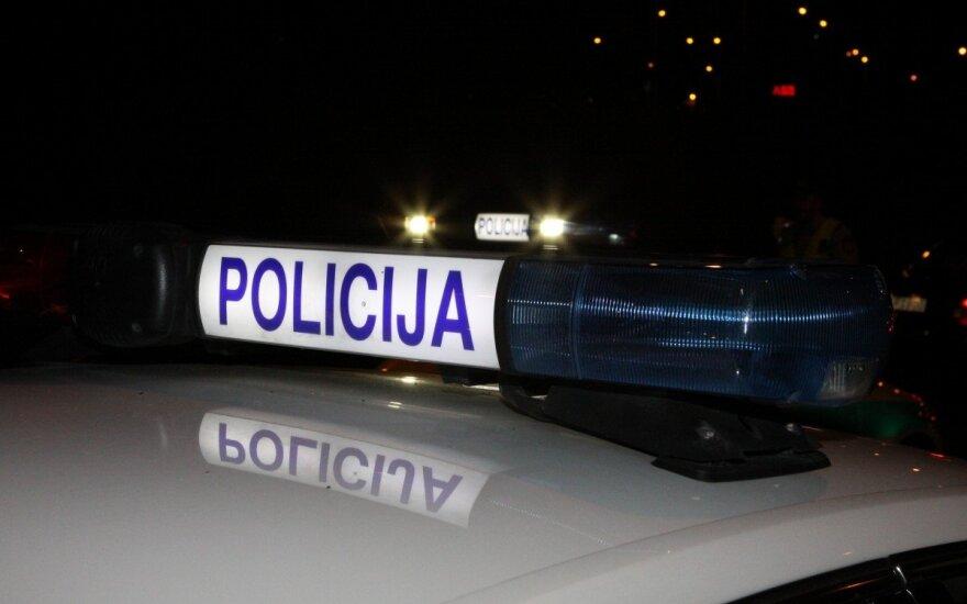 Per avariją kelyje Telšiai–Nevarėnai du automobiliai nulėkė nuo kelio