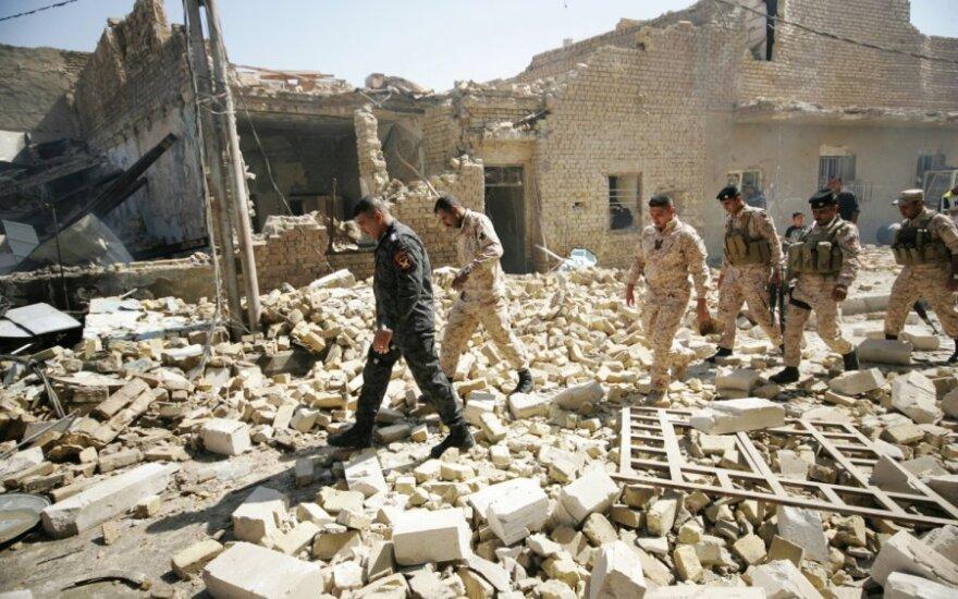 Irakas: iš islamistų užimto miesto masiškai bėga žmonės