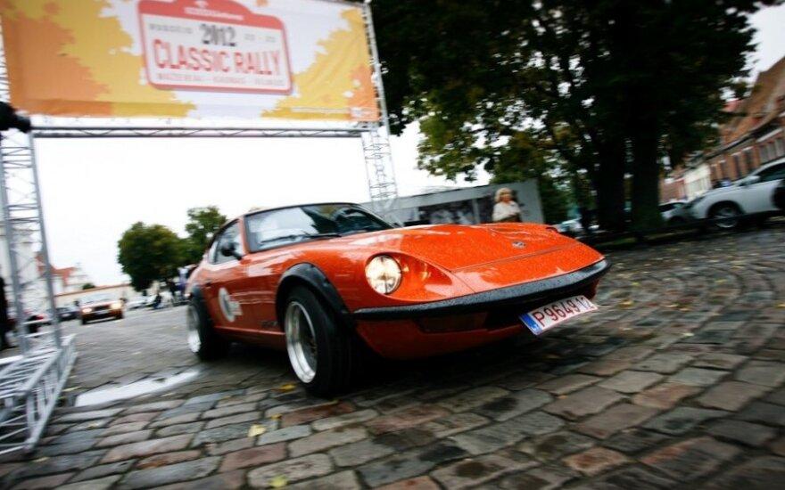 Kaunas pasitiko klasikinių automobilių ralio dalyvius