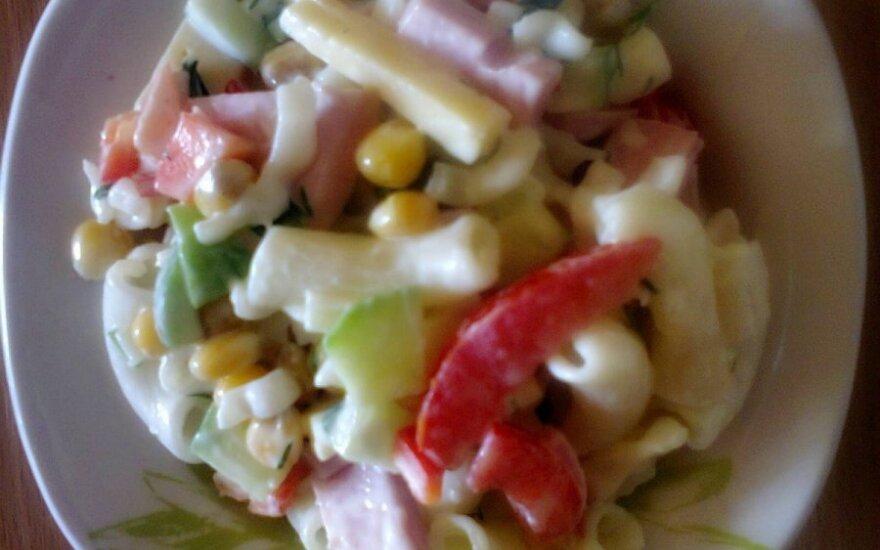 Makaronų salotos su sūriu