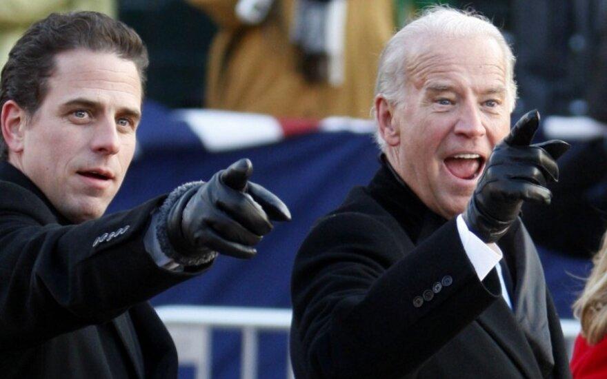 Trumpas atvirai paragino Ukrainą atlikti tyrimą dėl Bideno ir jo sūnaus