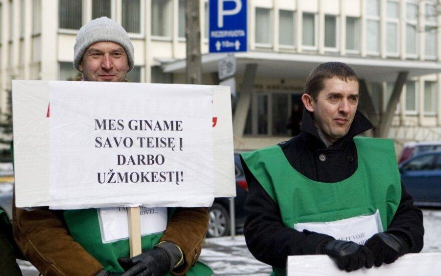 Profsąjungos protesto akcijų atsisakyti neketina