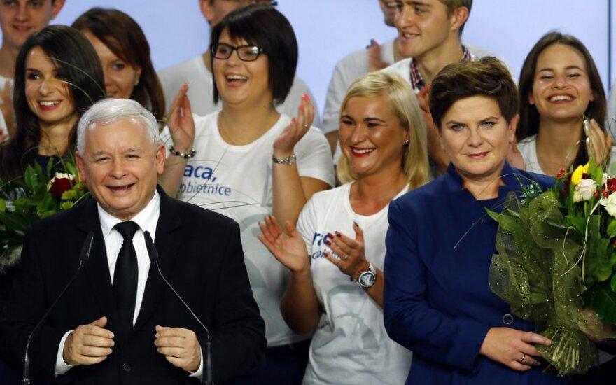 """Lenkijos opozicinė konservatyvioji partija """"Įstatymas ir teisingumas"""" (PiS)"""