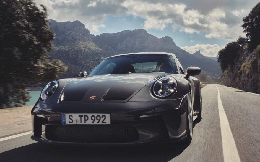 "Lietuvoje pradedama prekyba naujuoju ""Porsche 911 GT3 Touring"""