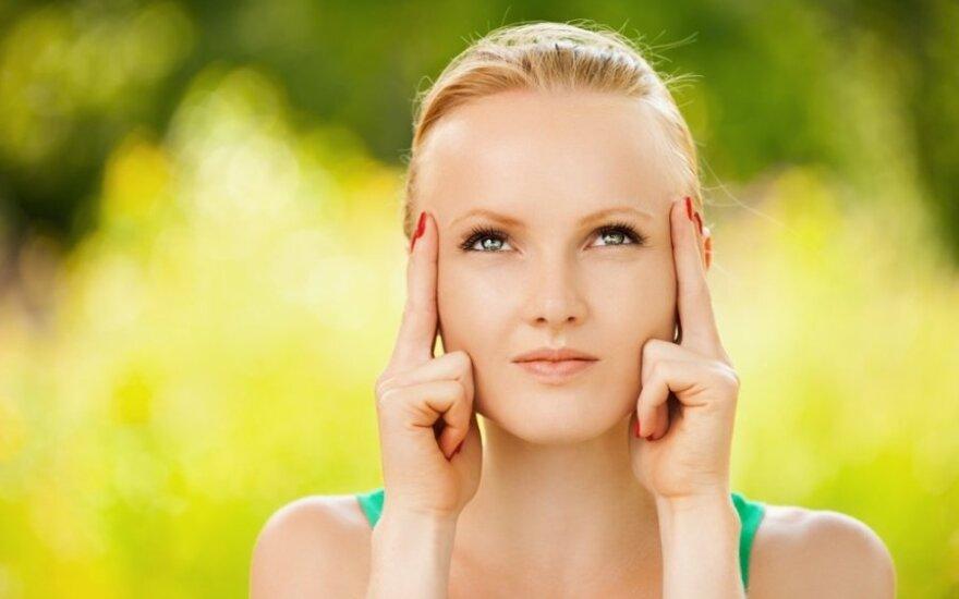 Pratimai nuo raukšlių III: atpalaiduojame žiedinį akies raumenį
