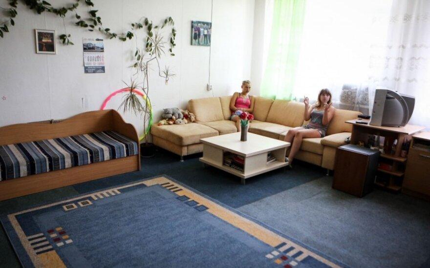 Siekia, kad nebeliktų vaikų globos namų