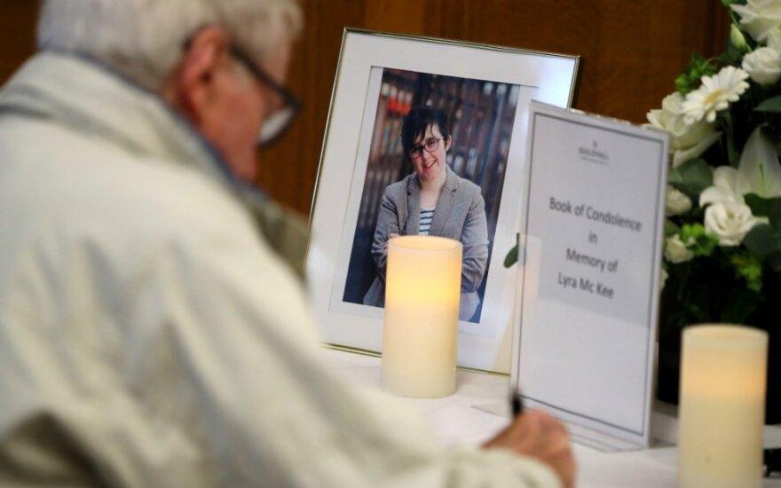 Šiaurės Airijoje atsisveikinama su nušauta žurnaliste