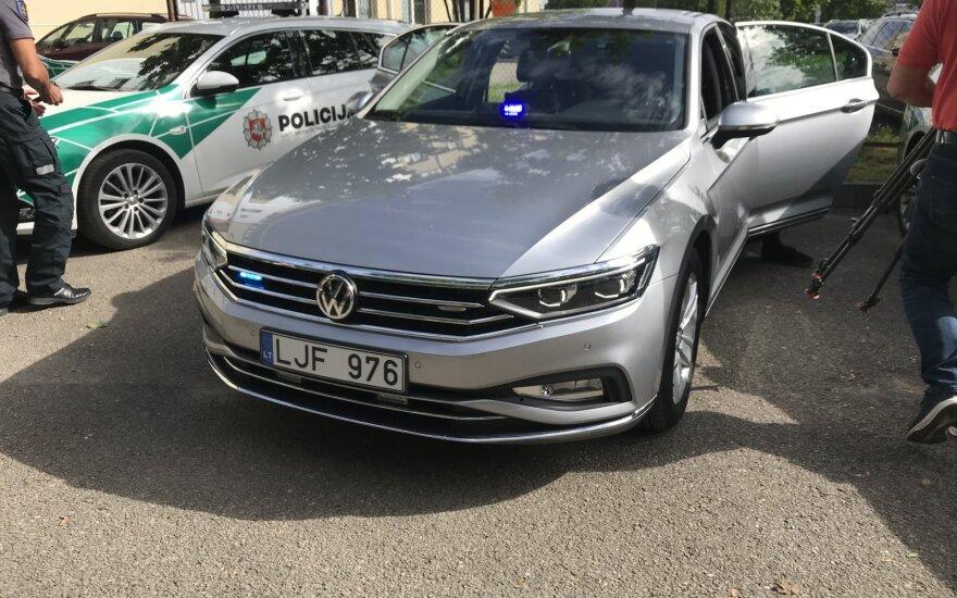 """Kauno policija turi naują nežymėtą automobilį: greičio mėgėjus """"mato"""" net ir už kelių šimtų metrų"""