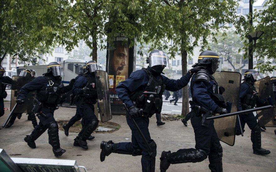 Paryžiuje per Gegužės 1-osios protestus kilo riaušės