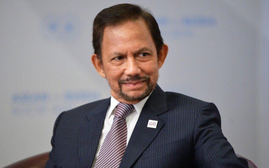 """Brunėjuje įsigaliojant šariatui sultonas paragino """"įtvirtinti"""" islamo doktriną"""