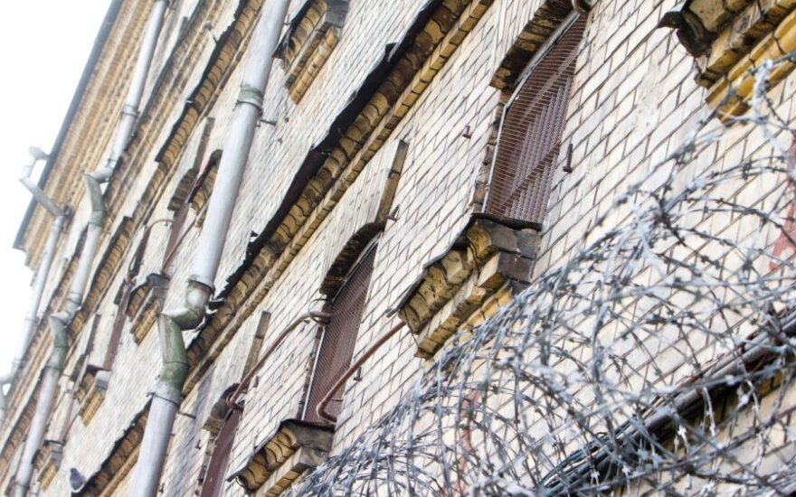 Teisėjams kilo abejonių dėl pavojingų nusikaltėlių lygtinio paleidimo