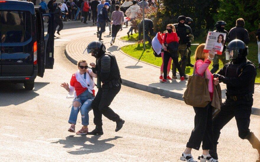 Teisių gynėjai: Baltarusijoje trečiadienį per protestus sulaikyta per 250 žmonių