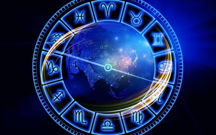 Astrologės Lolitos prognozė spalio 26 d.: imkitės iniciatyvos ir kardinalių sprendimų
