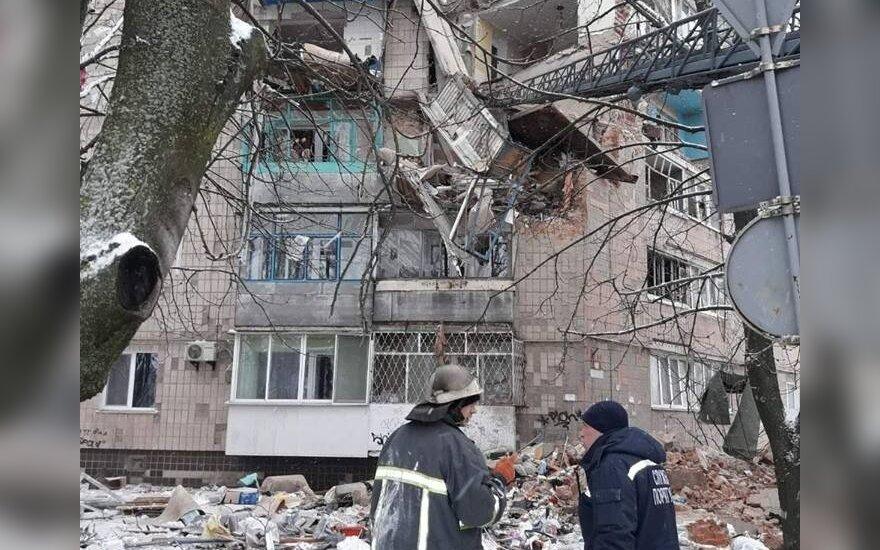 Ukrainoje sprogus daugiabučiui sužeistas vienas žmogus
