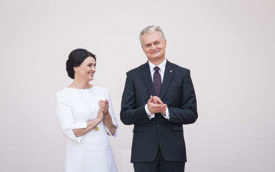 Grybauskaitė perdavė Prezidento rūmus Nausėdai