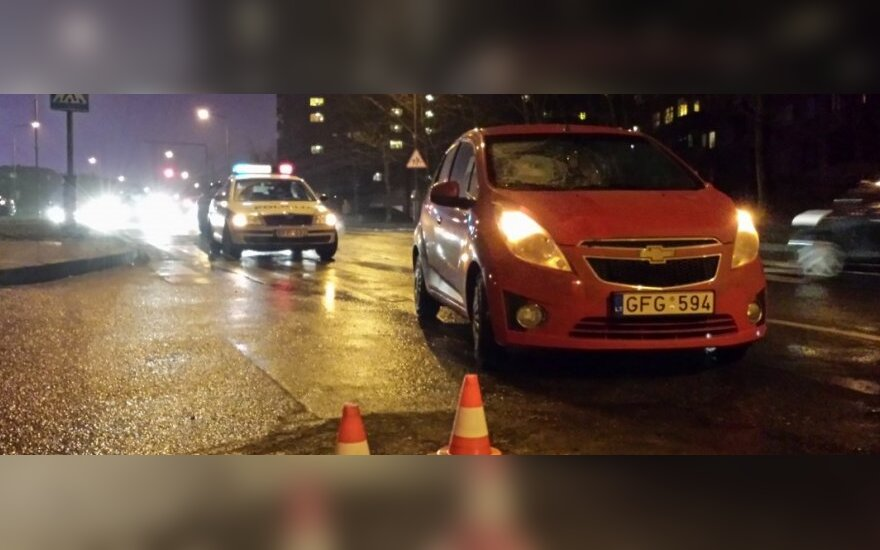 Avarijos liudytojai piktinosi, kad vairuotojas prieš perėją nė nestabtelėjo