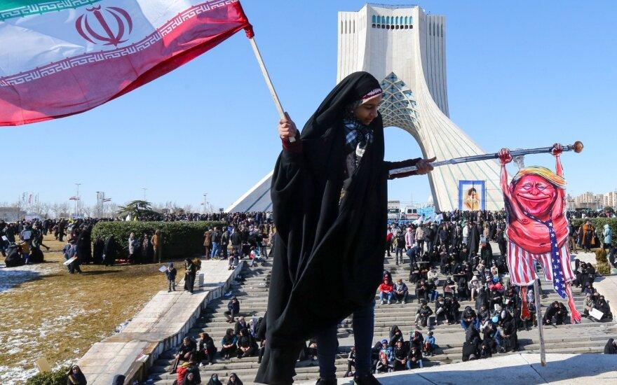 Iraniečiai mini 41-ąsias Islamo revoliucijos metines
