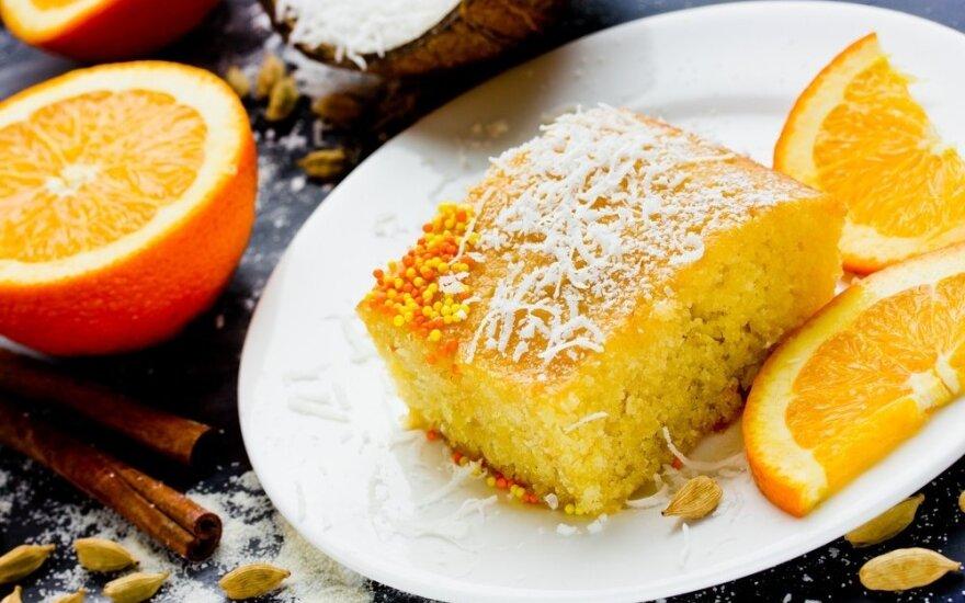 Gaivus apelsinų pyragas su migdolais