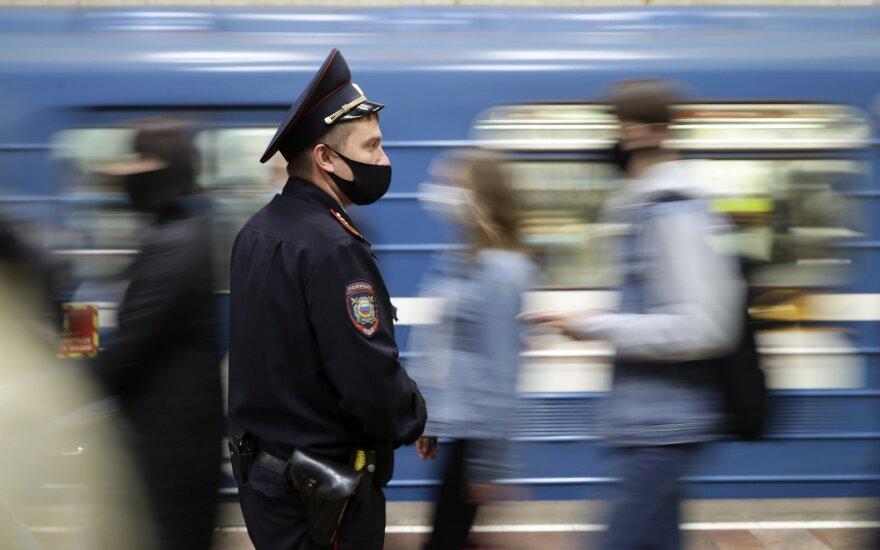 Rusijoje – per 25 tūkst. naujų COVID-19 atvejų, mirė 752 užsikrėtę žmonės