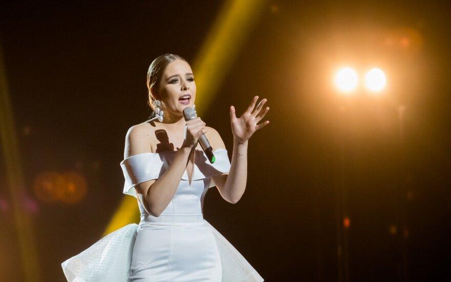 """Užsieniečiai įvertino """"Eurovizijos"""" finalininkų pasirodymus: žiūrovų laukia sudėtingas sprendimas"""