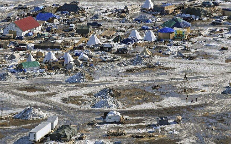 Oceti Sakowin stovykla, kur žmonės protestuoja prieš ketinimus tiesti Dakotos naftotiekį