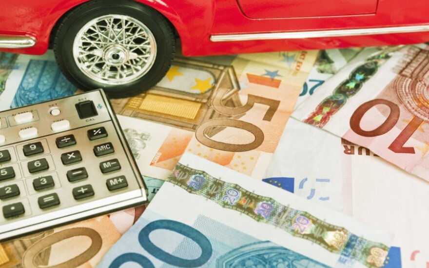 Nusikaltėlių automobiliai pildo biudžetą