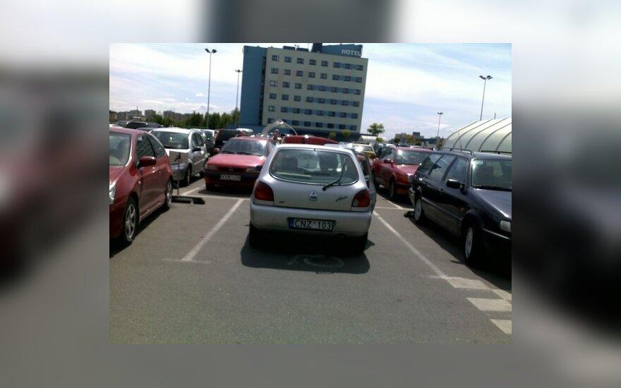 Vilniuje, prie PC BIG. 2010-06-17, 11.56 val.