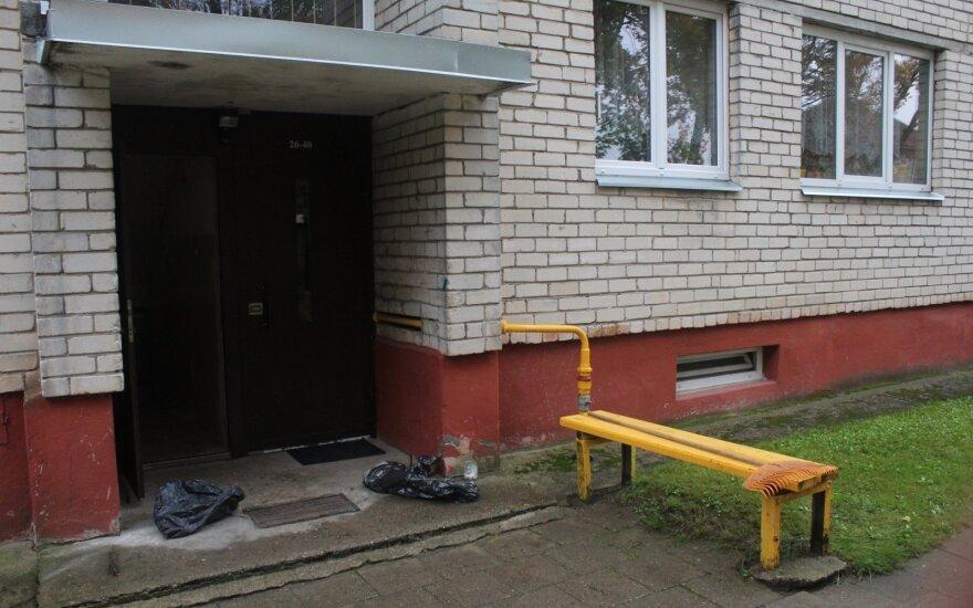 Panevėžyje kalintos moters istorijoje aiškėja daugiau detalių: prabilo įtariamojo kaimynės