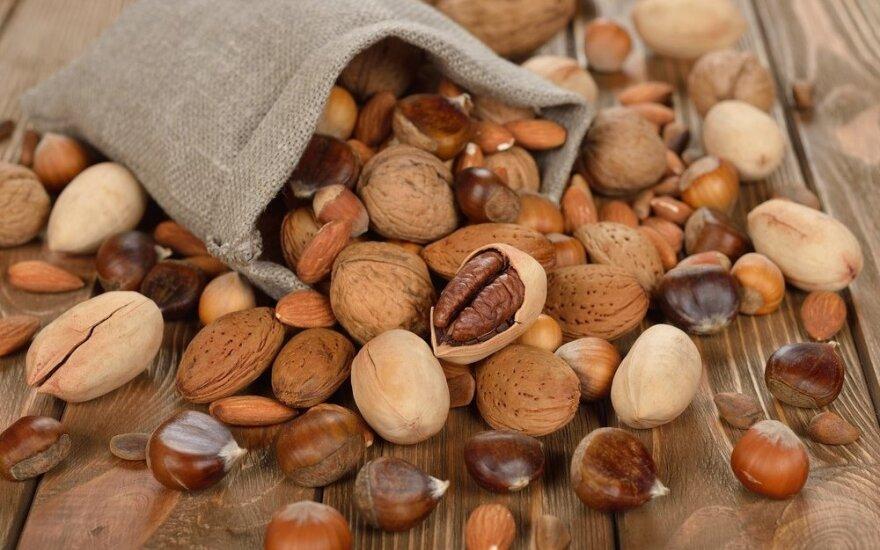 Natūralūs vitaminų lobynai – riešutai