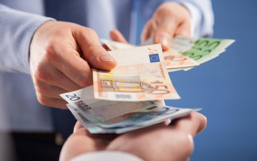 Vyriausybė nustatė 730 eurų minimalią algą, kurią bus galima mokėti tik pavedimu, – rekomenduoja mokėti dar daugiau